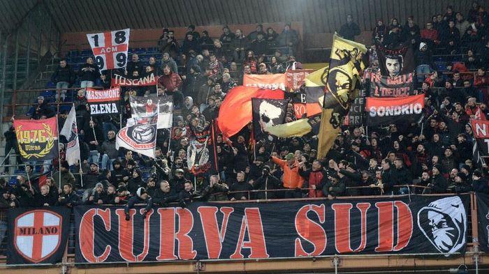 AC Milan bukukan rekor kerugian sebesar lebih dari Rp 2 triliun di 2018/19. (Foto: Paolo Rattini / Getty Images)