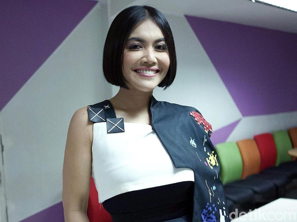 Kenangan Denada Jadi Artis Indonesia Pertama Juarai MTV VMA 1995
