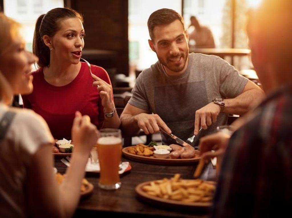Makan di Resto Tanpa Boros dengan 5 Tips Makan Hemat Ini