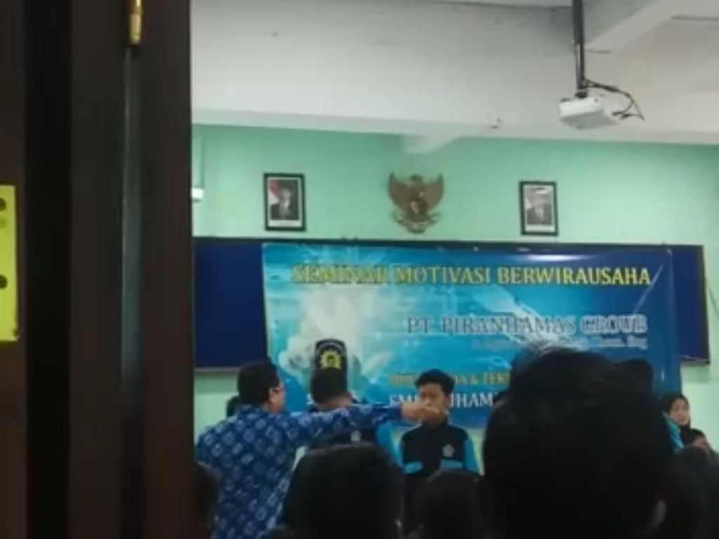 Ini Motivator yang Tempeleng Pelajar SMK di Malang Saat Seminar