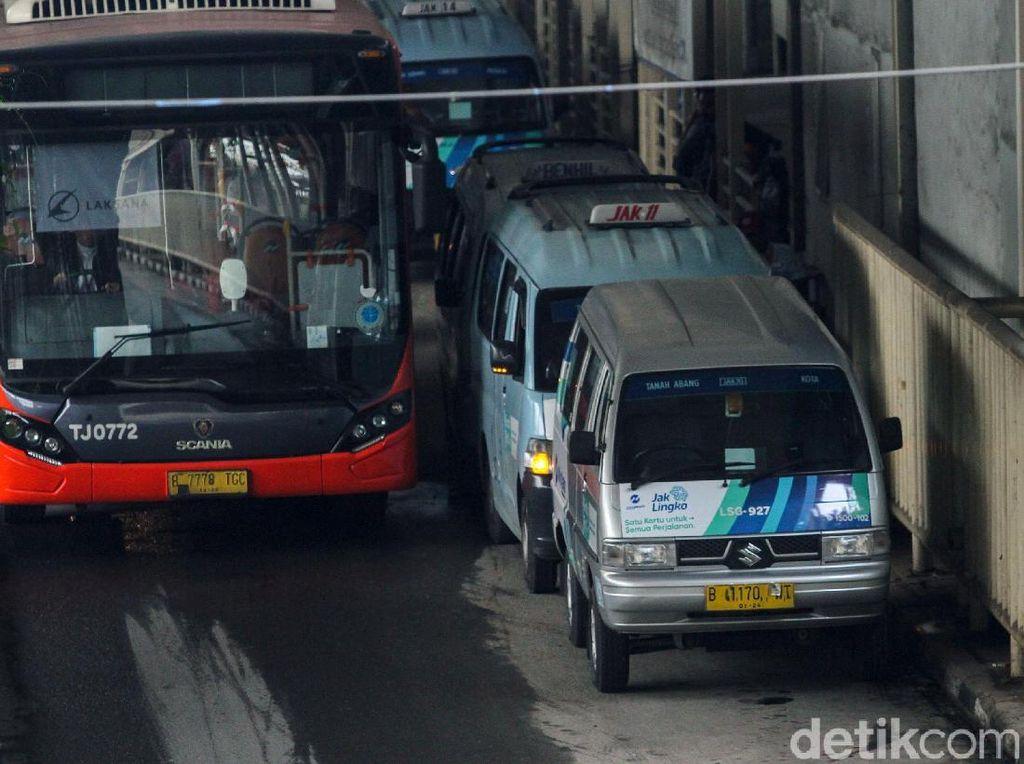 Ada Cara Biar Orang Tertarik Pindah ke Transportasi Umum?