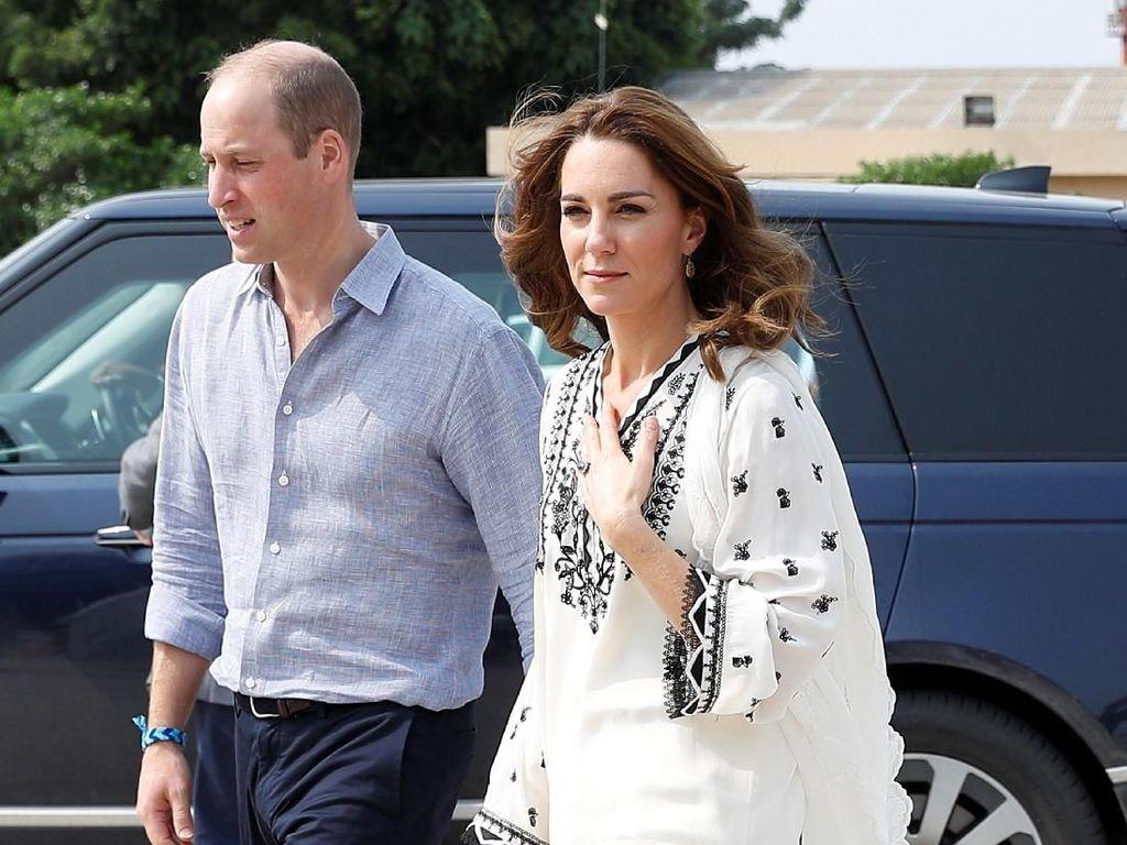 Foto: Cara Elegan Kate Middleton Hormati Gaya Perempuan Pakistan