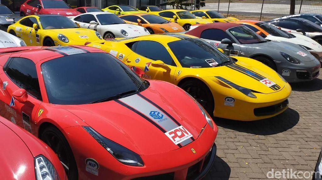 Banyuwangi Disesaki Mobil Sport Mewah