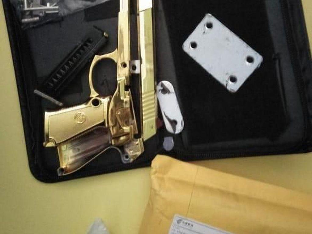 Bea Cukai Bali Temukan Paket Berisi Pistol dari China