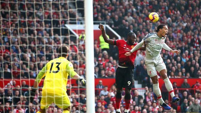 Man United vs Liverpool tak penting-penting amat untuk Van Dijk (Clive Brunskill/Getty Images)