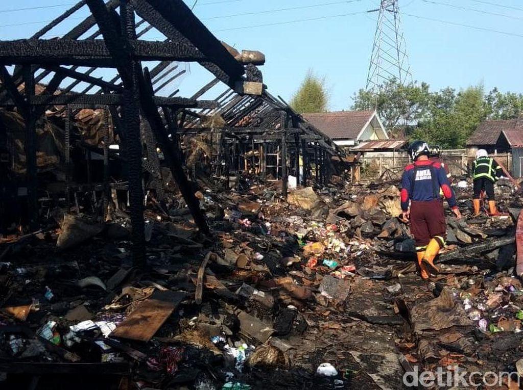 Potret Sisa-sisa Kebakaran di Pasar Mungkid Magelang