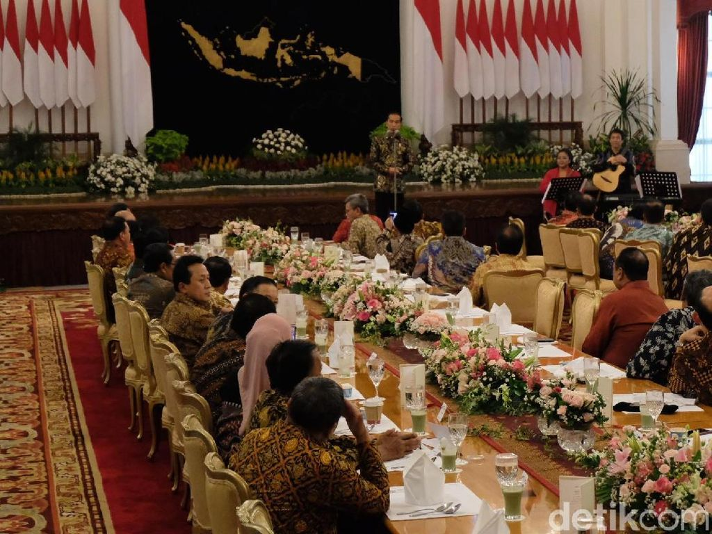 Jokowi Kaget Kapolri Bisa Nyanyi: Suaranya Mirip-mirip Paul Anka