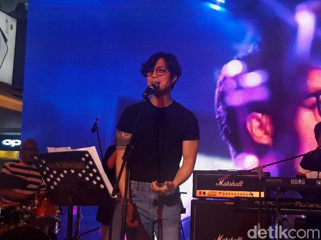 Dikta Project Meriahkan Penjualan Perdana Oppo Reno2 F di Surabaya