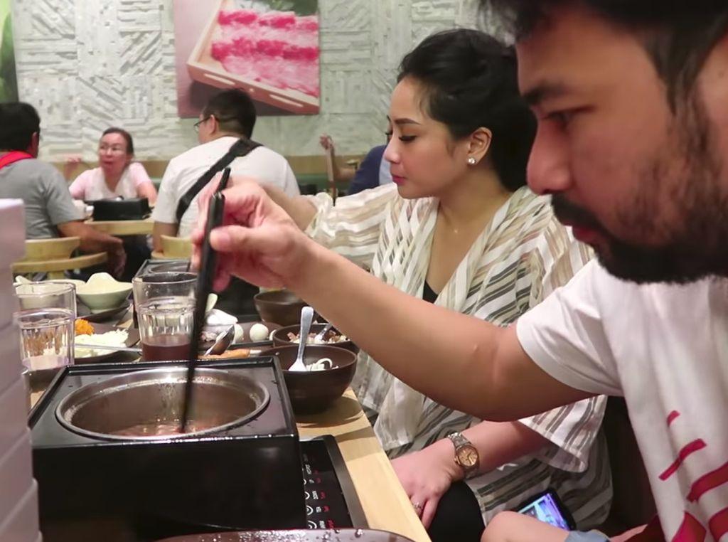 Makan Shabu-shabu, Intip Keseruan Hari Jisun hingga Raffi Ahmad