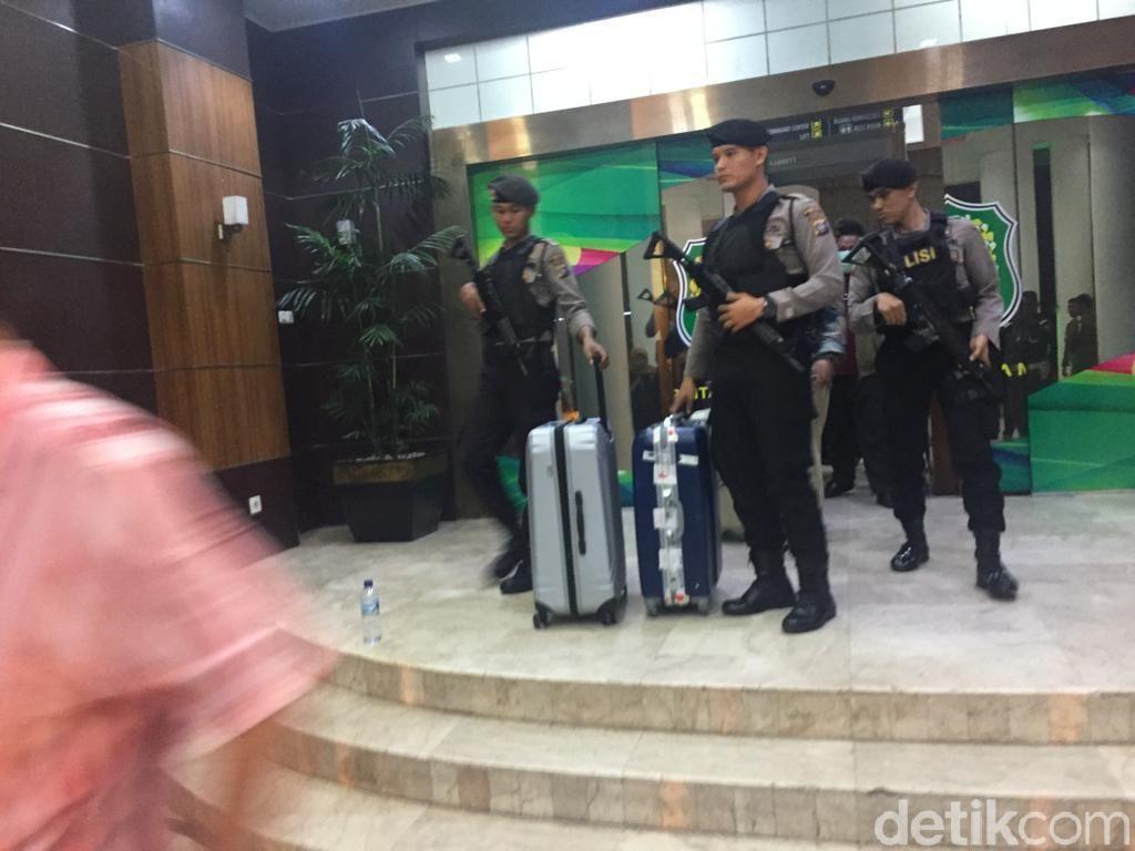 KPK Geledah Kantor Walkot Medan, Wawali: SK Pegawai Ikut Disita