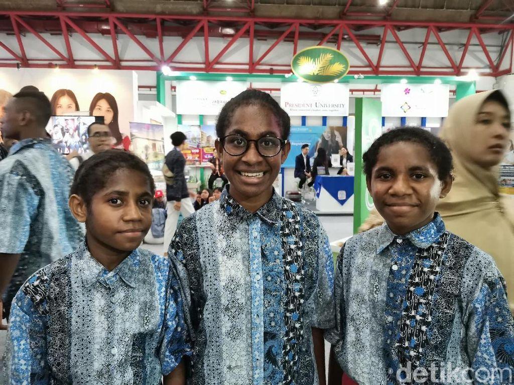 Antusiasme Siswa Papua, Idolakan B.J Habibie