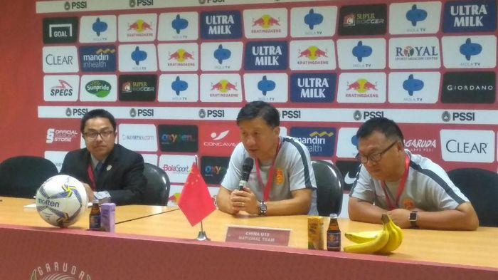 Pelatih China U-19 Cheng Yaodong mengakui permainan Indonesia cukup bagus. (Foto: Deny Prastyo Utomo)