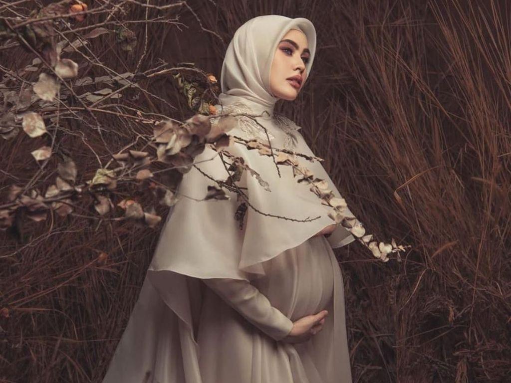 Ide Foto Hamil untuk Hijabers ala Kartika Putri yang Baru Melahirkan