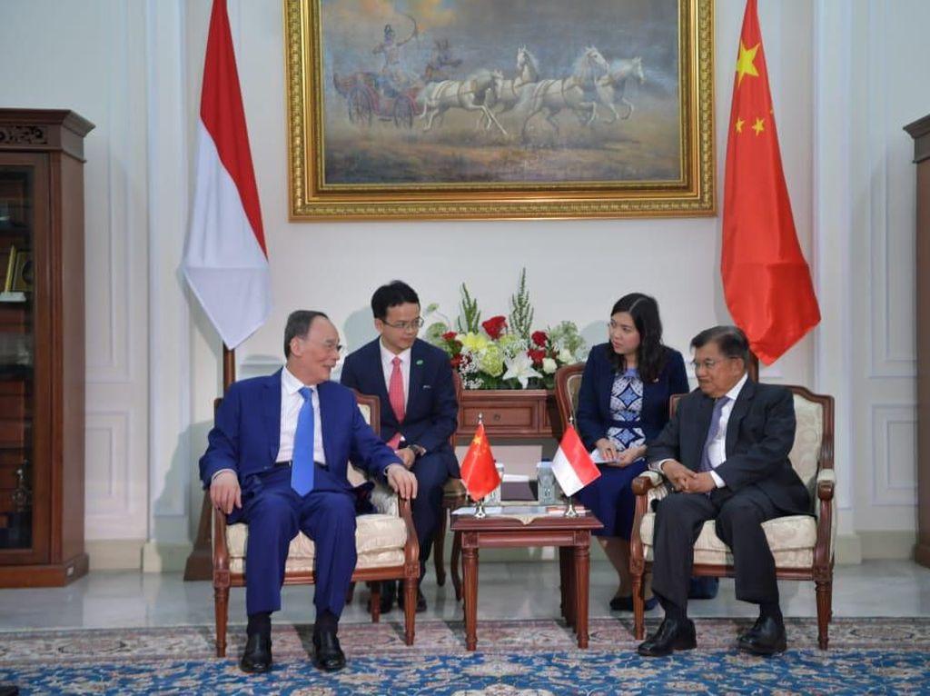Sebelum Hadiri Pelantikan Jokowi, Wapres China Bahas Sejarah dengan JK