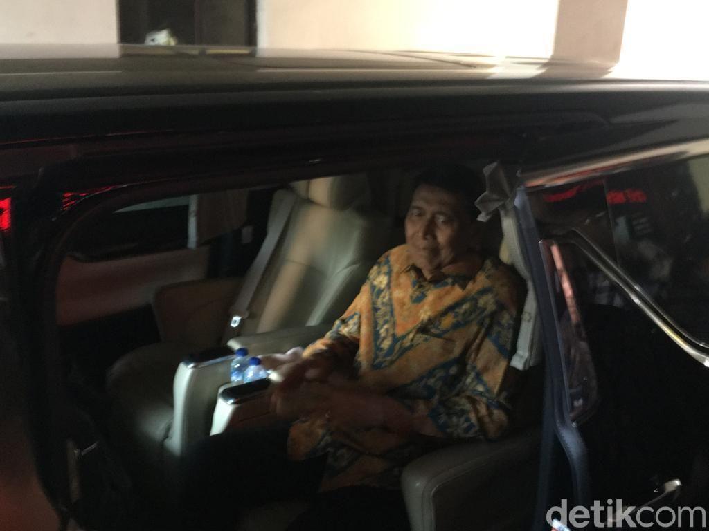 Usai Silaturahmi di Kemenkopolhukam, Wiranto Kembali ke RSPAD