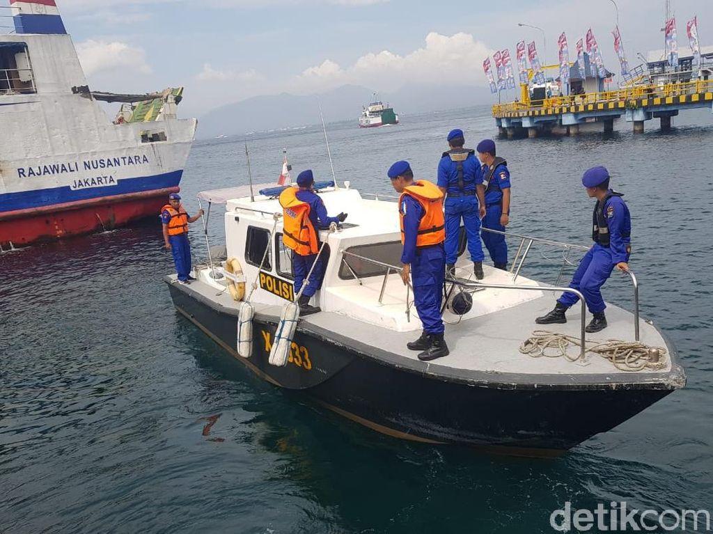 Polisi Tangkap Kapal Penyelundup Baju Bekas dari Malaysia di Riau