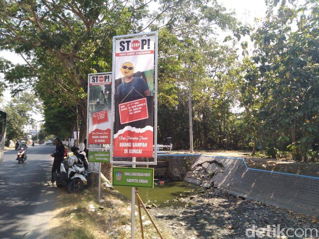 Kepergok Buang Sampah di Sungai Jombang, Siap-siap Foto Anda Dipajang