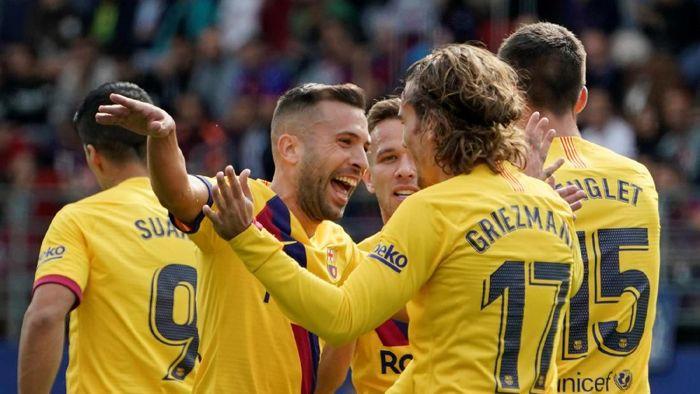 Barcelona ke puncak klasemen LaLiga usai kalahkan Eibar 3-0 (REUTERS/Vincent West)