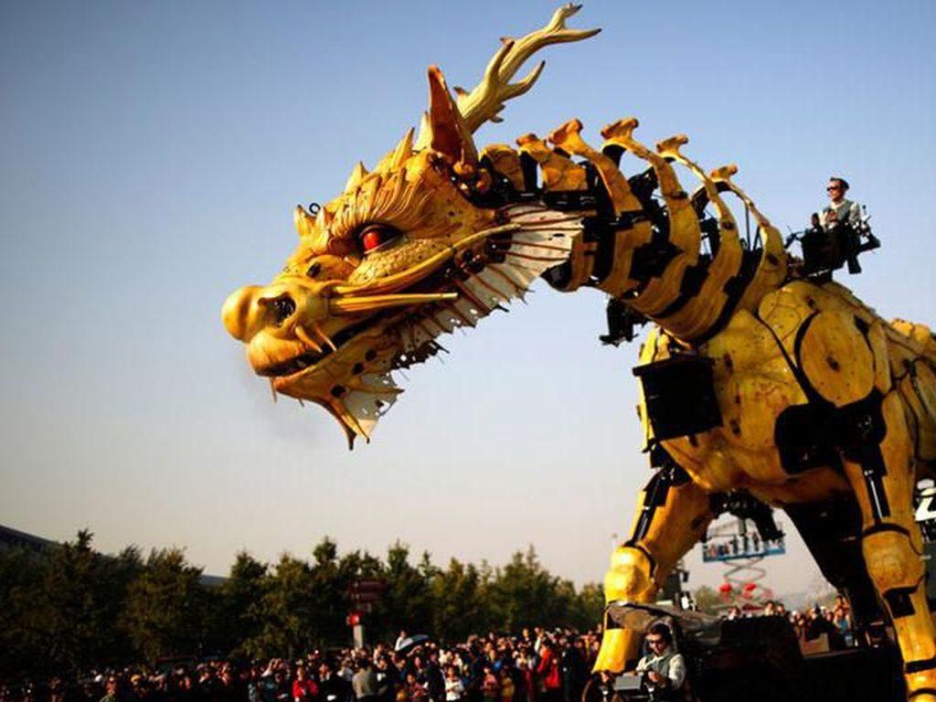 China, Naga Tidur Yang Siap Bangkit?