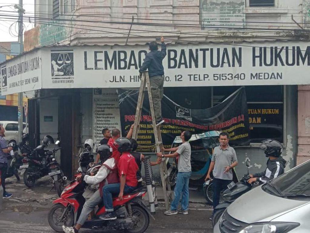 Polri: Teror Bom Molotov di LBH Medan Tak Terkait Kasus Tewasnya Golfrid