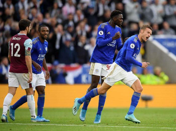 Leicester City menang 2-1 atas Burnley untuk menempati posisi kedua klasemen Liga Inggris. (Foto: Michael Regan/Getty Images)