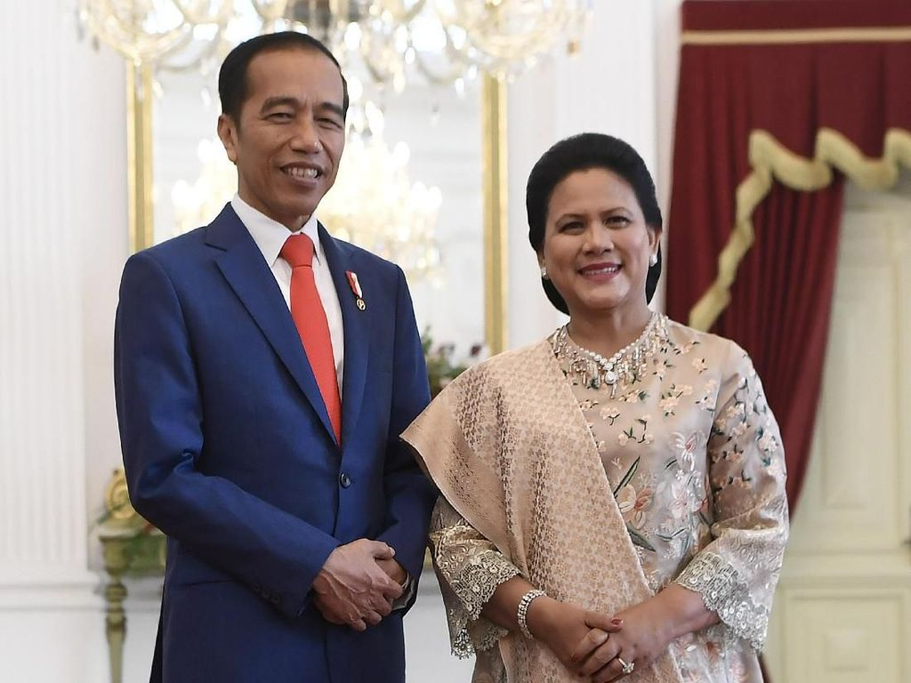 Umumkan Hasil Tes Swab, Jokowi: Ibu Iriana Juga Negatif Corona