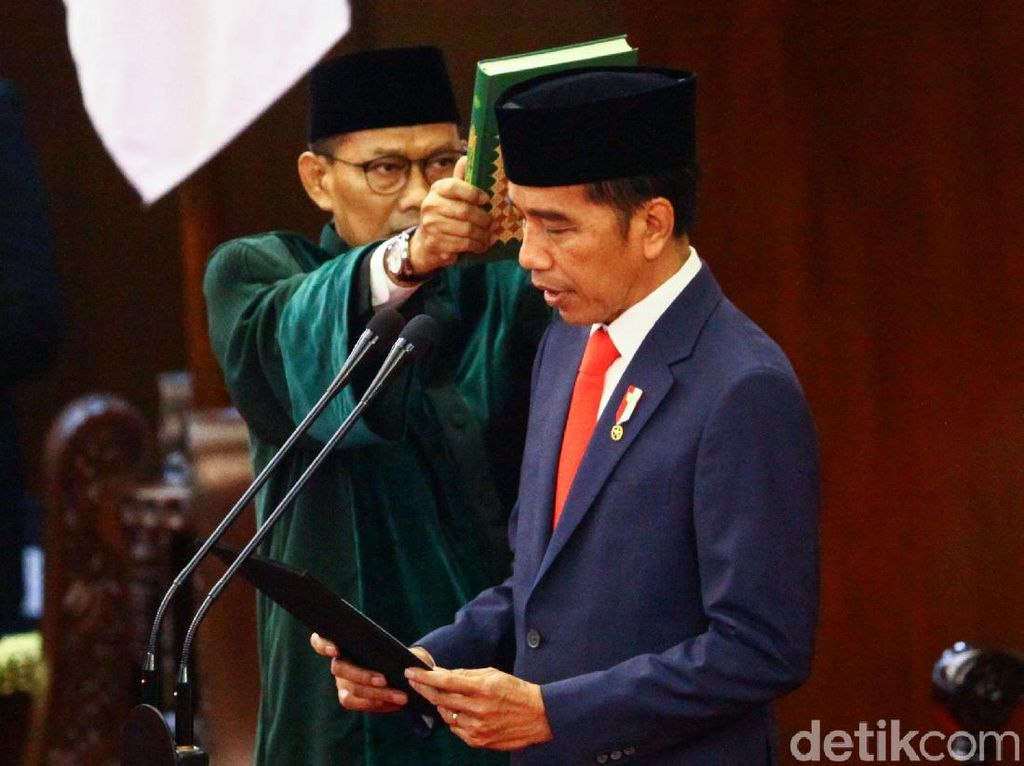 Melantik Janji Politik Presiden