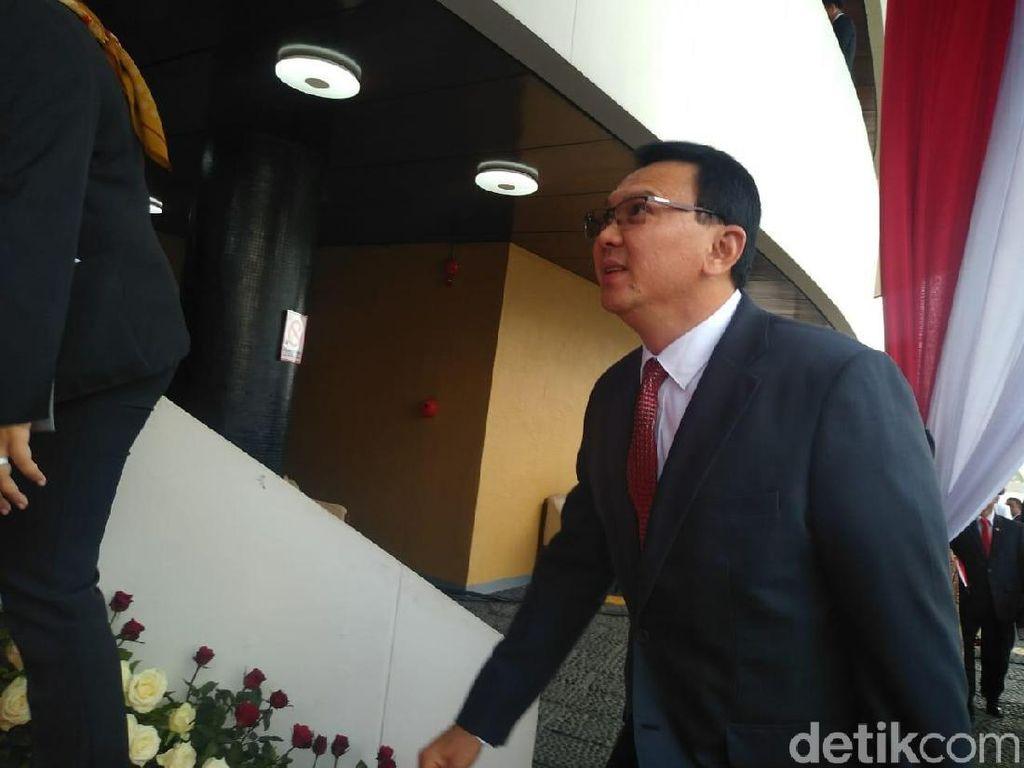 Ahok Datang Sendirian ke Pelantikan Jokowi-Maruf Amin