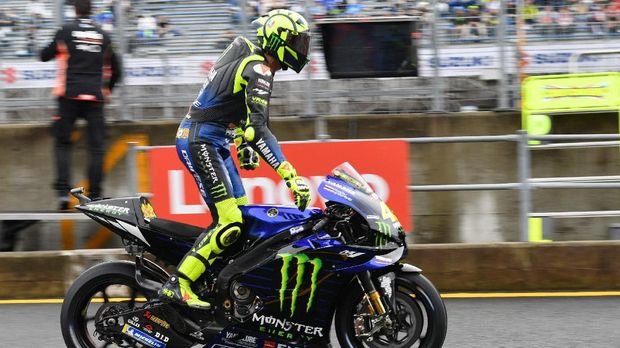 Monster Energy Yamaha MotoGP rider Valentino Rossi of Italy leaves the pit during the MotoGP fourth free practice session of Japanese Motorcycle Grand Prix at the Twin Ring Motegi circuit in Motegi, Tochigi prefecture on October 19, 2019. (Photo by Toshifumi KITAMURA / AFP)