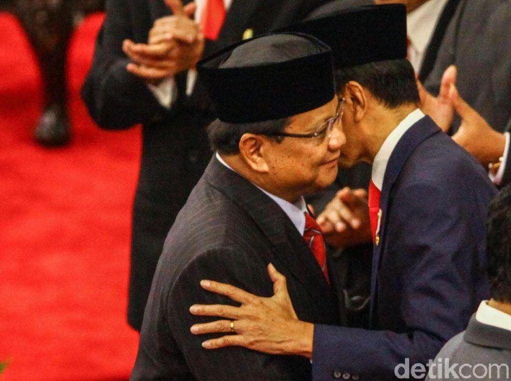 Jokowi Kenalkan Menteri, Prabowo Dikabarkan ke Istana Sore Ini