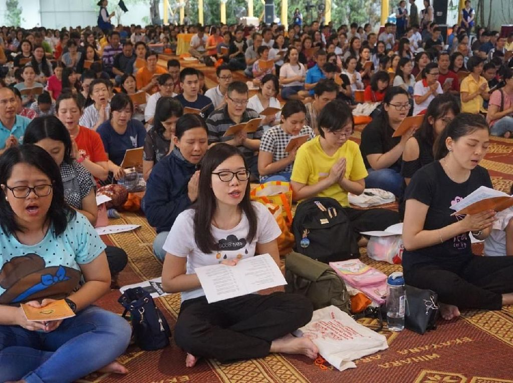 Doa Ribuan Umat Budha untuk Indonesia