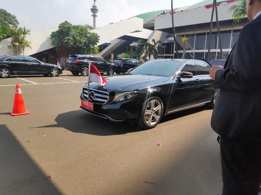Paspampres Pindahkan Pelat RI-2 dari Mobil JK ke Mobil Maruf Amin