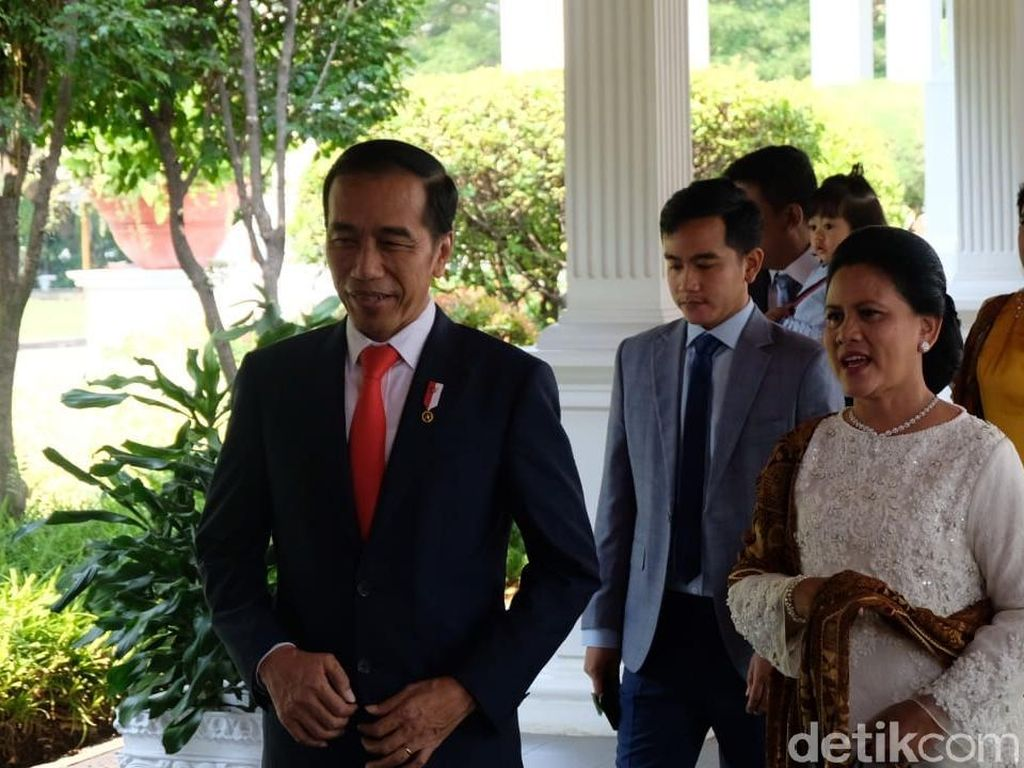 Jokowi Berangkat ke Pelantikan Bareng Keluarga, Jan Ethes Tak Ikut