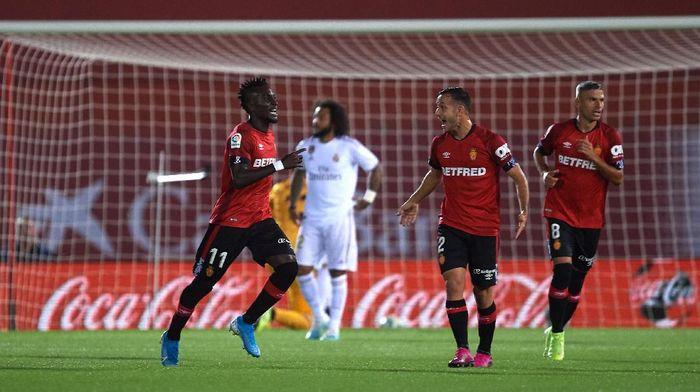 Real Mallorca mengalahkan Real Madrid 1-0 di pekan ke-9 Liga Spanyol 2019/2020. (Foto: Alex Caparros/Getty Images)