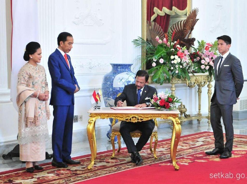 Adu Gaya Pangeran Ganteng Brunei dan Kaesang di Pelantikan Presiden 2019