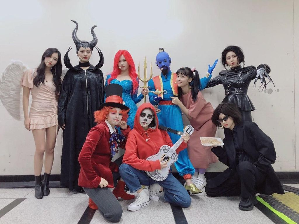 Gaya Kocak Dahyun dan Kejutan Manis di Perayaan Debut TWICE ke-4