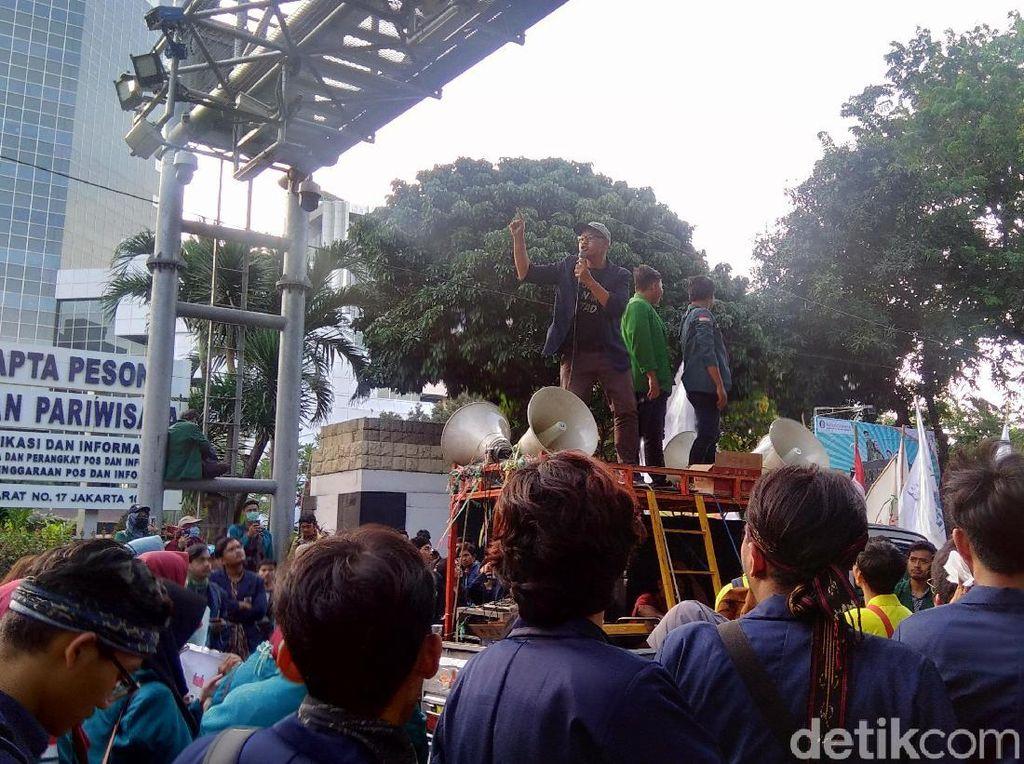 Aksi di Patung Kuda, Ketua BEM Unpad Kritik Penghadangan ke Jakarta