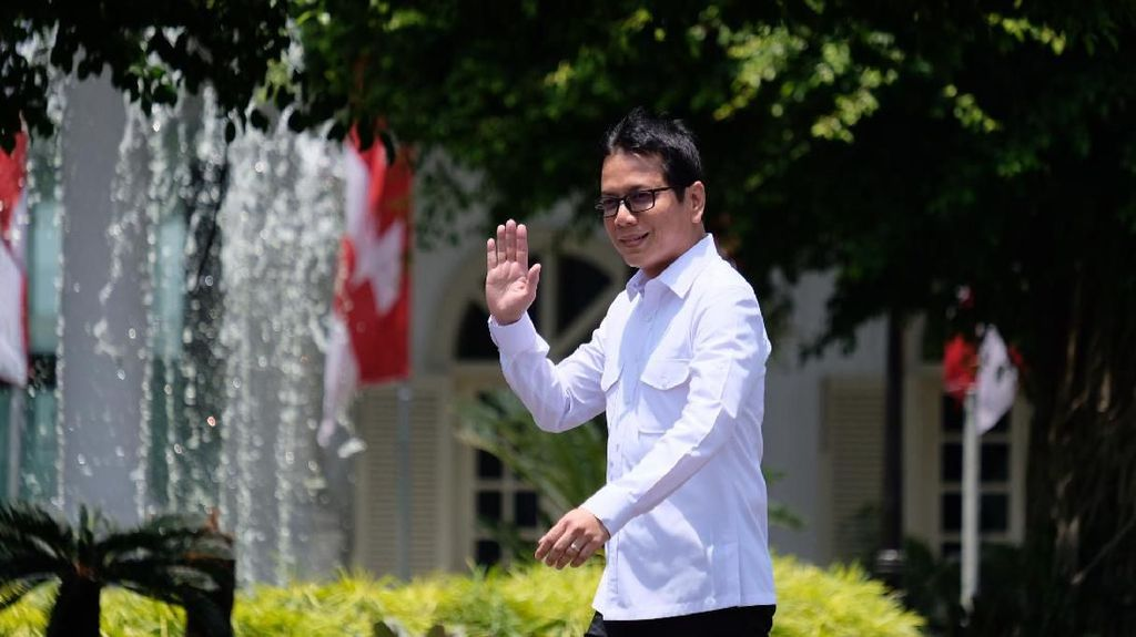 Foto-foto Muda Wishnutama, Menteri Pariwisata yang Ganteng dari SMA