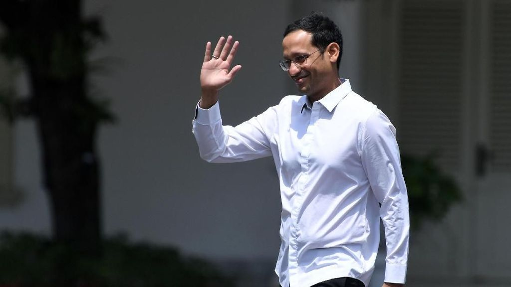 Ekspresi Mahfud MD dan Nadiem Makarim Saat Dipanggil Jokowi