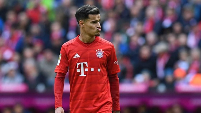 Bayern Munichs Brazilian midfielder Philippe Coutinho reacts during the German first division Bundesliga football match FC Bayern Munich vs TSG 1899 Hoffenheim in Munich, southern Germany, on October 5, 2019. (Photo by Christof STACHE / AFP) / DFL REGULATIONS PROHIBIT ANY USE OF PHOTOGRAPHS AS IMAGE SEQUENCES AND/OR QUASI-VIDEO