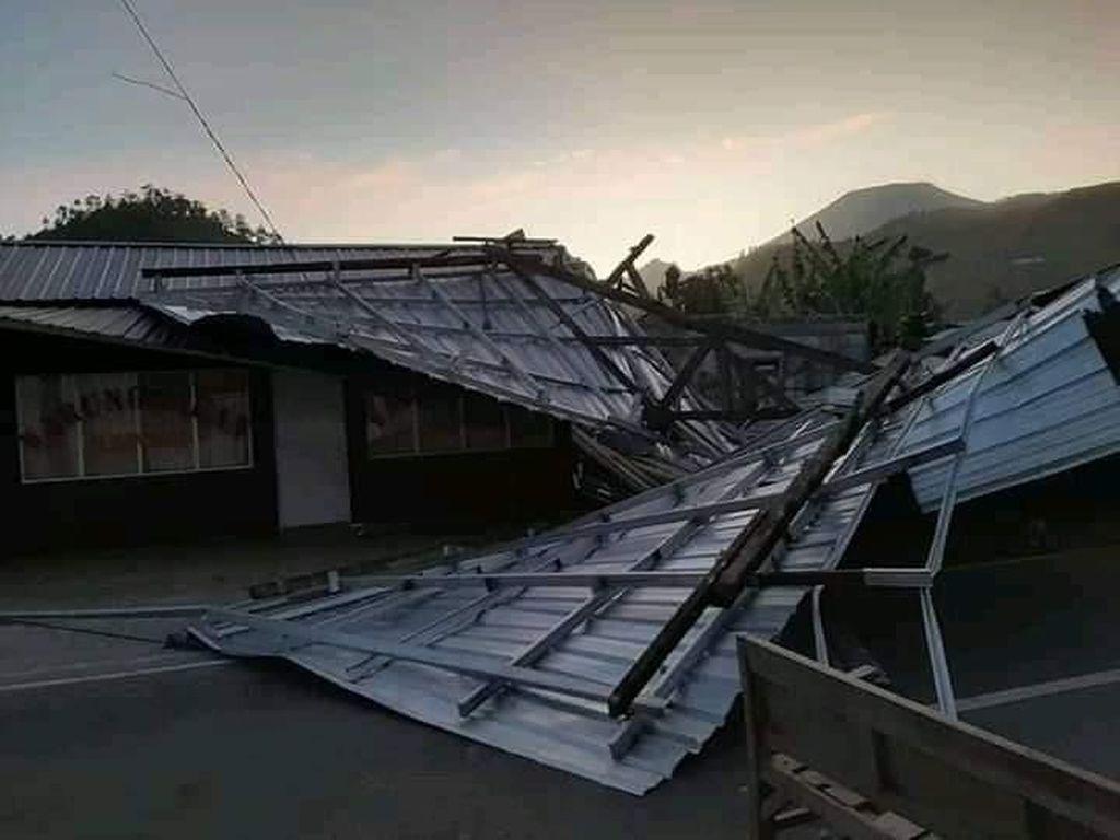 Angin Kencang Menghantam Tegal, 10 Rumah Rusak Berat