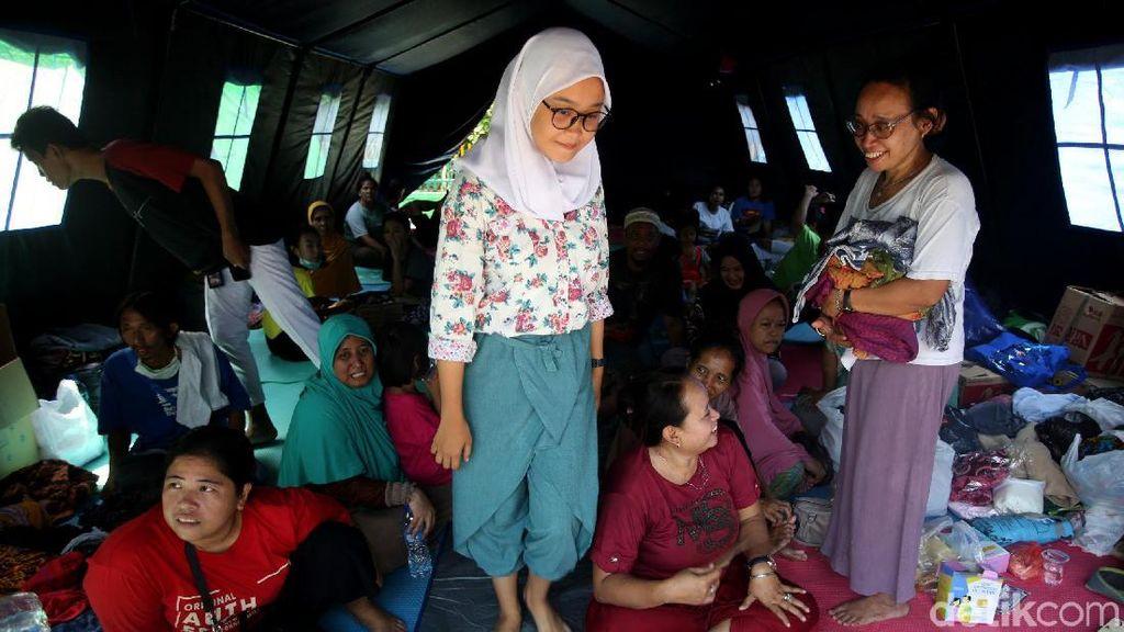 Korban Kebakaran Jatinegara Mengungsi di SDN 3 Bidaracina