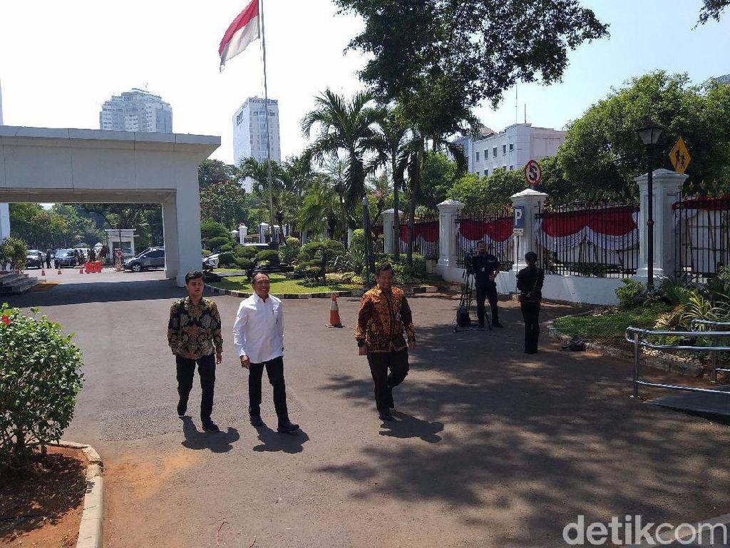 Calon Menteri Kabinet Jokowi 65%: Profesional 12 Orang, Politikus 10 Orang