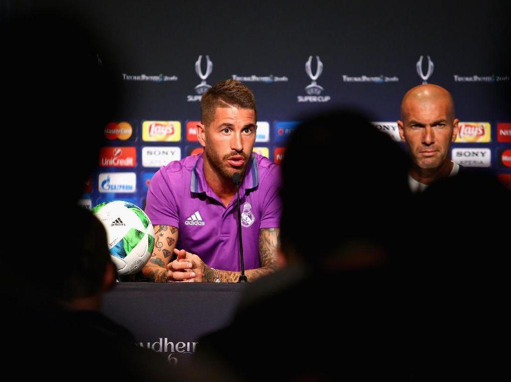 Ramos: Spekulasi Masa Depan Zidane Itu Kuno!
