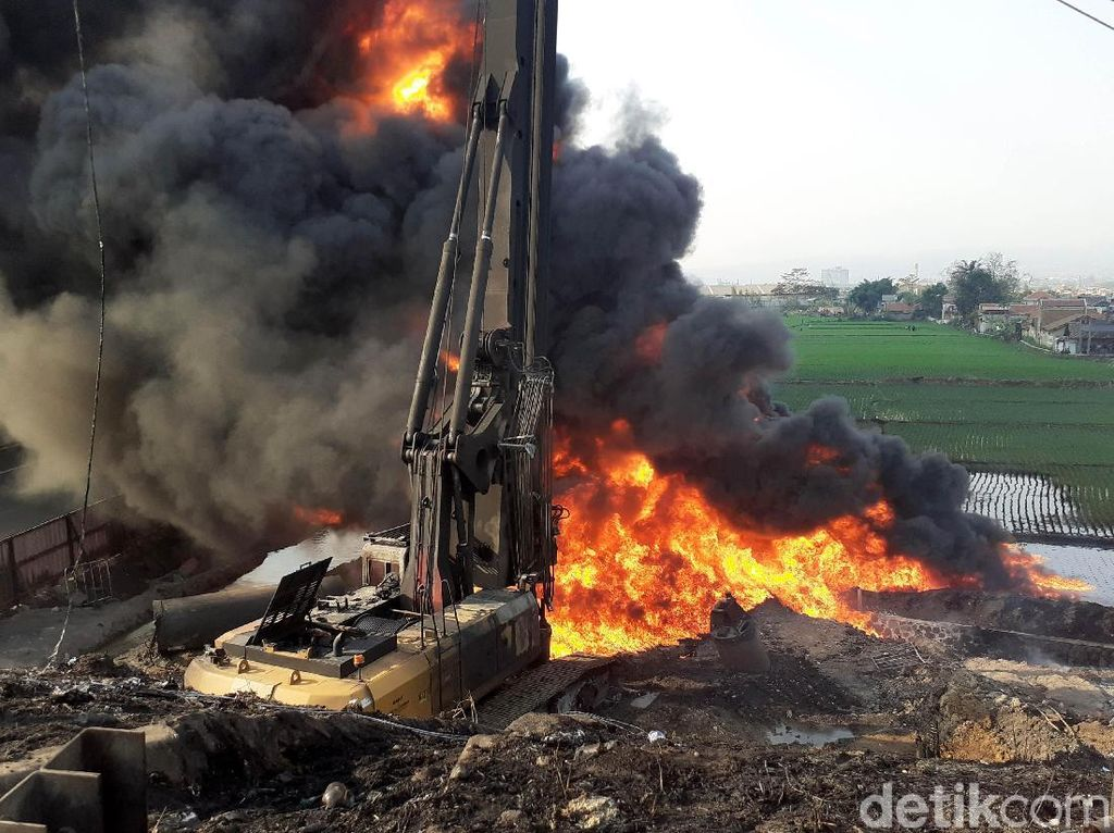 Pipa Terbakar Dekat Proyek KCIC, Pertamina: Kami Sudah Minta Koordinasi