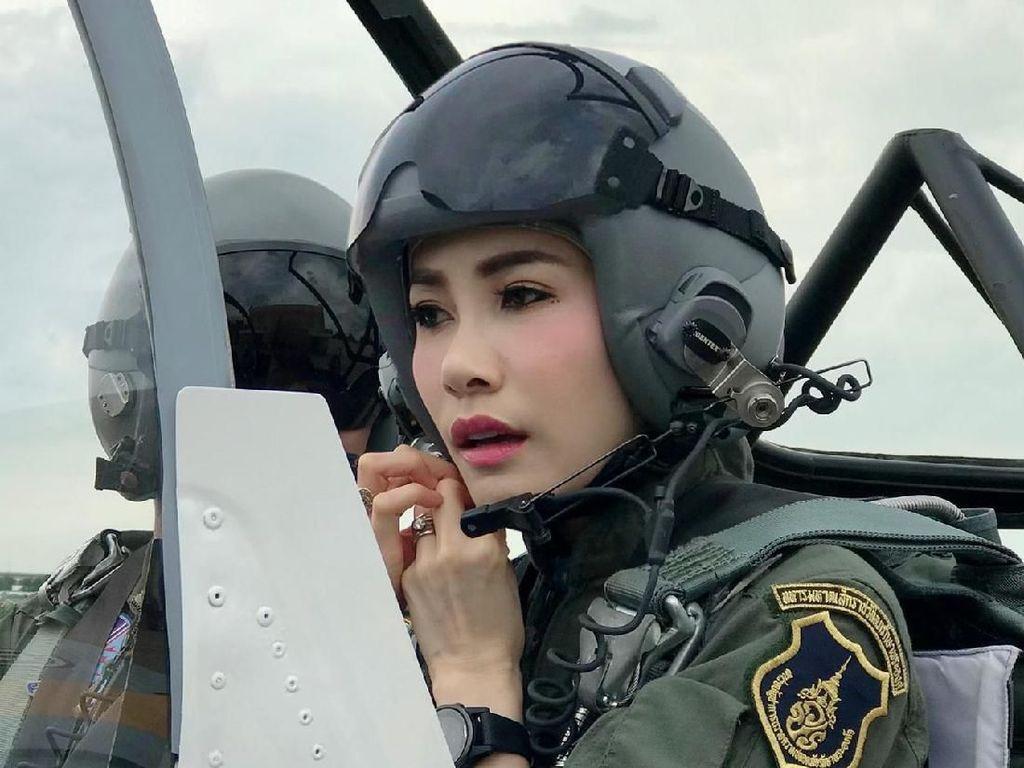 Ada 1.400 Gambar, Inikah Foto-foto Syur Selir Raja Thailand yang Bocor?