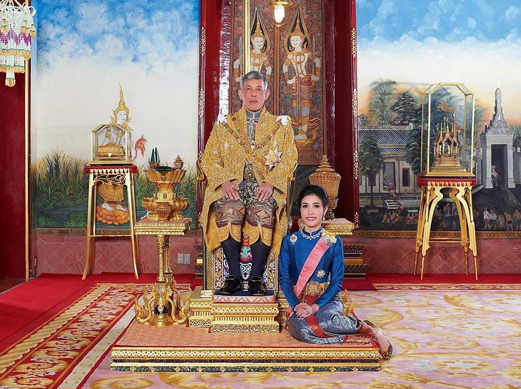 Most Popular Sepekan: Ada 1.400 Foto Syur Selir Raja Thailand yang Bocor