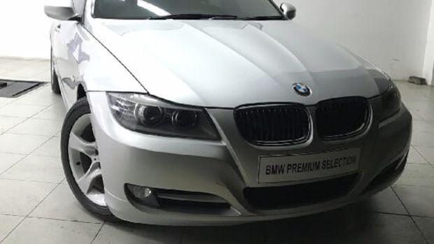 BMW 3 Series 320i tahun 2012