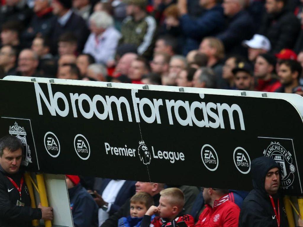MU Hukum Suporter Rasis di Laga Kontra Liverpool