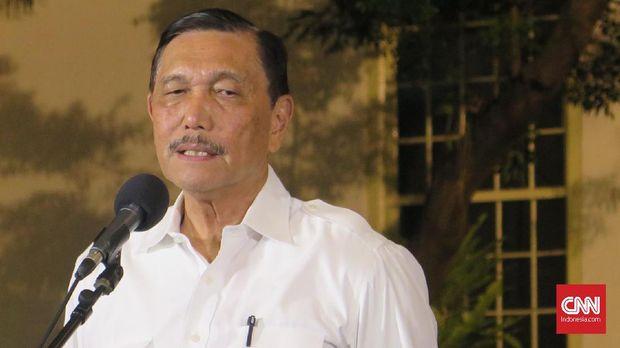 Luhut Binsar Panjaitan mengaku kembali diminta menjadi menteri oleh Presiden Joko Widodo, di Kompleks Istana Kepresidenan Jakarta, Selasa (22/10).